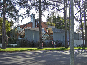 800pxgehry_house__image01