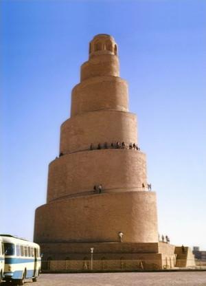 Samara_spiralovity_minaret_rijen197